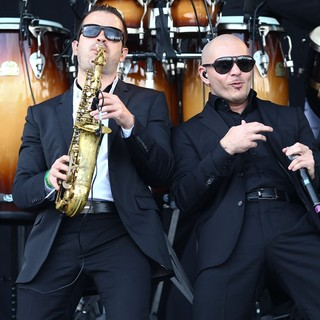 Pitbull in Barclaycard Wireless Festival 2012 - Day 3 - pitbull-barclaycard-wireless-festival-2012-day-3-11