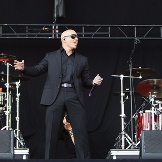 Pitbull in Barclaycard Wireless Festival 2012 - Day 3 - pitbull-barclaycard-wireless-festival-2012-day-3-12