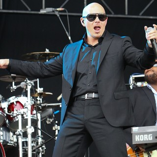 Pitbull in Barclaycard Wireless Festival 2012 - Day 3 - pitbull-barclaycard-wireless-festival-2012-day-3-13