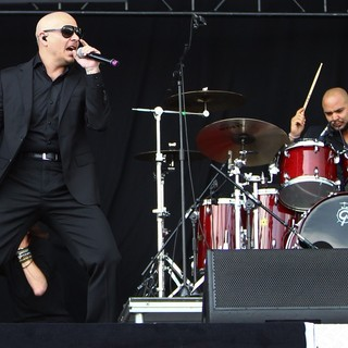 Pitbull in Barclaycard Wireless Festival 2012 - Day 3 - pitbull-barclaycard-wireless-festival-2012-day-3-14