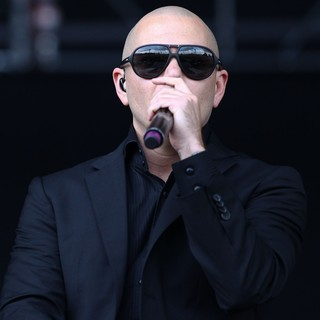 Pitbull in Barclaycard Wireless Festival 2012 - Day 3 - pitbull-barclaycard-wireless-festival-2012-day-3-15