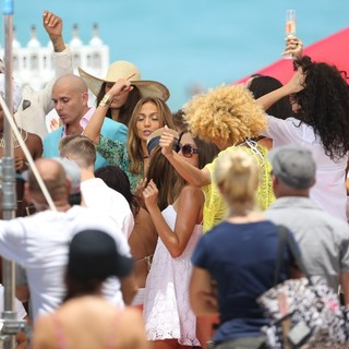 Pitbull in Jennifer Lopez Filming A TV Commercial - pitbull-lopez-filming-02