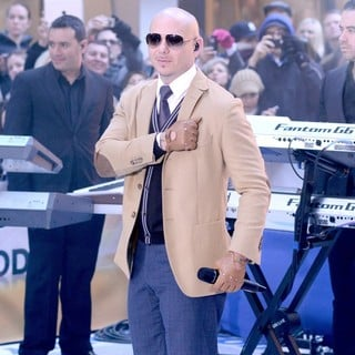 Pitbull Performs Live at The Today Show - pitbull-performs-live-today-show-11