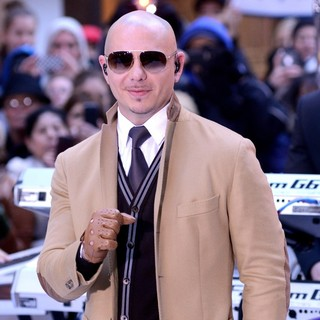 Pitbull Performs Live at The Today Show - pitbull-performs-live-today-show-15