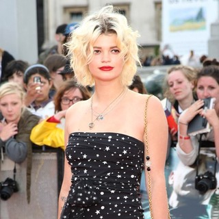 Pixie Geldof in Harry Potter and the Deathly Hallows Part II World Film Premiere - Arrivals