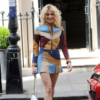 Pixie Lott Leaves The Haymarket Hotel