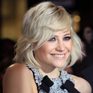 Pixie Lott in The Twilight Saga's Breaking Dawn Part I UK Film Premiere - Arrivals