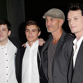Christopher Mintz-Plasse, Dave Franco, Craig Gillespie, Anton Yelchin in Fright Night Los Angeles Screening - Red Carpet