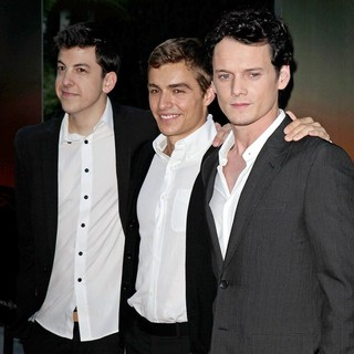 Christopher Mintz-Plasse, Dave Franco, Anton Yelchin in Fright Night Los Angeles Screening - Red Carpet
