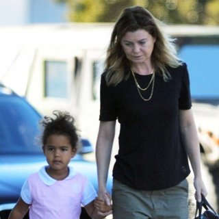 Sienna May Pompeo Ivery, Ellen Pompeo in Ellen Pompeo Goes Out for Breakfast with Sienna May Pompeo Ivery