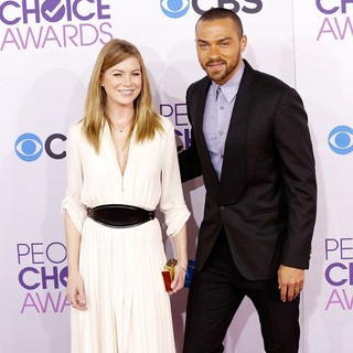 Ellen Pompeo, Jesse Williams in People's Choice Awards 2013 - Red Carpet Arrivals