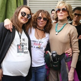 Natalie Portman, Jennifer Grey, Jane Fonda-Women's March