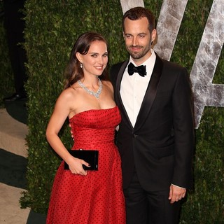 Natalie Portman, Benjamin Millepied in 2012 Vanity Fair Oscar Party - Arrivals