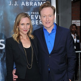 Liza Powel, Conan O'Brien in Los Angeles Premiere of Super 8