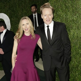 Conan O'Brien in 2013 Vanity Fair Oscar Party - Arrivals - powel-o-brien-2013-vanity-fair-oscar-party-03