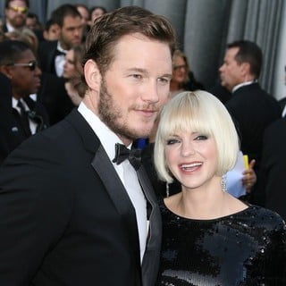 Chris Pratt in 84th Annual Academy Awards - Arrivals - pratt-faris-84th-annual-academy-awards-01