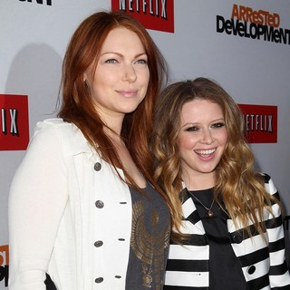 Laura Prepon in Netflix's Los Angeles Premiere of Season 4 of Arrested Development - prepon-lyonne-premiere-arrested-development-season-4-01