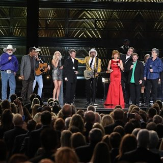 Charley Pride, Carrie Underwood, Randy Travis, Brad Paisley, Reba McEntire in 50th Annual CMA Awards - Performances