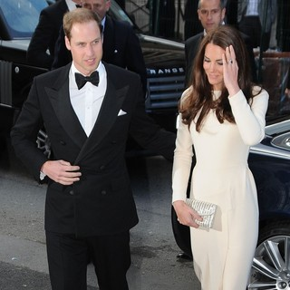 Prince William, Kate Middleton in Kate Middleton Arriving at Claridges Hotel