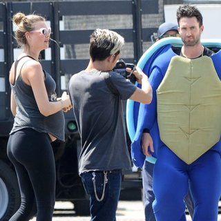 Adam Levine - Behati Prinsloo and Adam Levine for Maroon 5 Music Video
