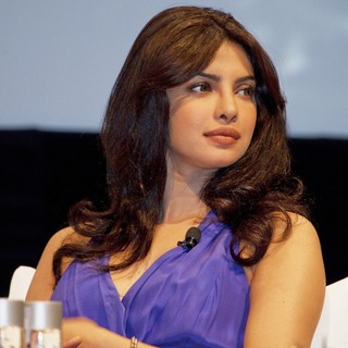 Priyanka Chopra in 2011 Dubai International Film Festival - Press Conference - priyanka-chopra-2011-dubai-international-film-festival-02