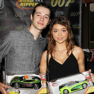 Matt Prokop, Sarah Hyland in The 6th Annual George Lopez Celebrity Golf Classic to Benefit The Lopez Foundation