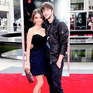Sarah Hyland, Matt Prokop in New York Premiere of Harry Potter and the Deathly Hallows Part II - Arrivals