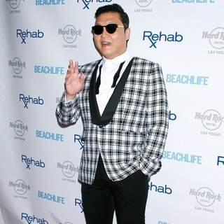 PSY in PSY Helps Close Out The Season of Rehab