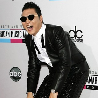PSY in The 40th Anniversary American Music Awards - Arrivals
