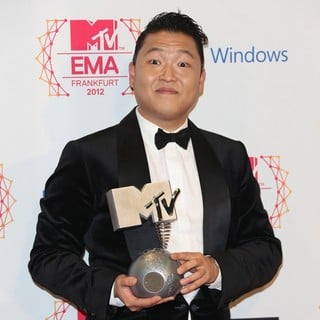 PSY in The MTV EMA's 2012 - Press Room