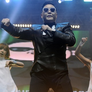 PSY in PSY Performs His Gangnam Style Dance Live