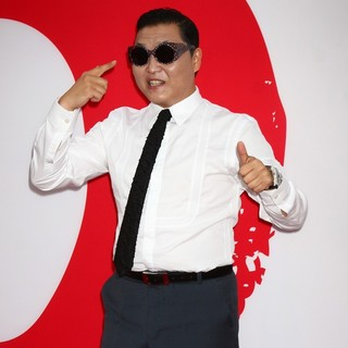 PSY in Los Angeles Premiere of Red 2