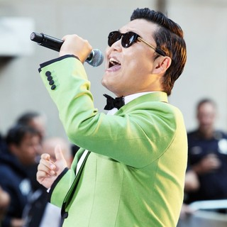 PSY - PSY Performs Gangnam Style Live as Part of NBC's Today Show Summer Concert