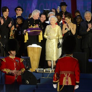 Queen Elizabeth II, will.i.am, Cheryl Cole, Tom Jones in The Diamond Jubilee Concert