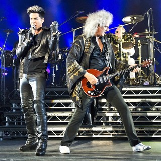 Adam Lambert, Brian May, Roger Taylor, Queen in Queen and Adam Lambert Performing Live