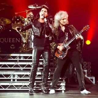Roger Taylor, Adam Lambert, Brian May, Queen in Queen and Adam Lambert Performing Live