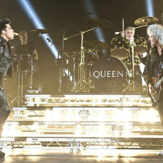 Adam Lambert, Roger Taylor, Brian May, Queen in Queen and Adam Lambert Performing Live