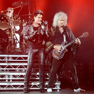 Queen - Queen and Adam Lambert Performing Live