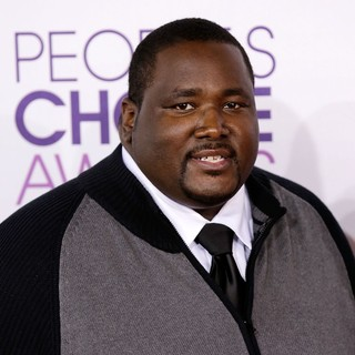 Quinton Aaron in People's Choice Awards 2013 - Red Carpet Arrivals - quinton-aaron-people-s-choice-awards-2013-01