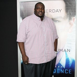 Quinton Aaron in Los Angeles Premiere of Warner Bros. Pictures and Alcon Entertainment's Transcendence - quinton-aaron-premiere-transcendence-02
