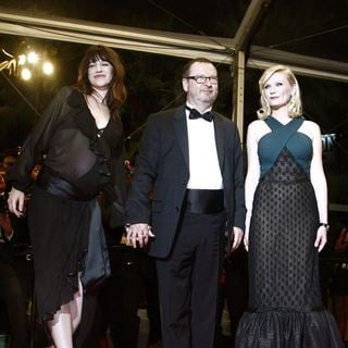 Charlotte Gainsbourg, Lars von Trier, Kirsten Dunst in 2011 Cannes International Film Festival - Day 8 - Melancholia - Premiere