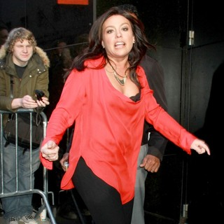 Rachael Ray in Rachael Ray Outside The Good Morning America Studios