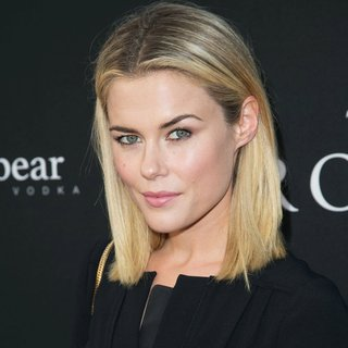Rachael Taylor in Los Angeles Premiere of The Rover - Arrivals - rachael-taylor-premiere-the-rover-01