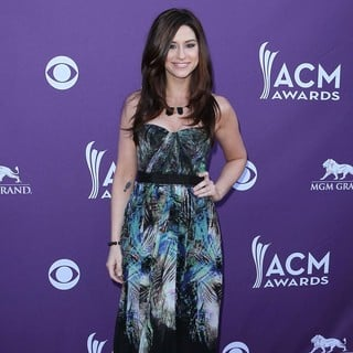 Gloriana in 2012 ACM Awards - Arrivals - rachel-reinert-2012-acm-awards-02
