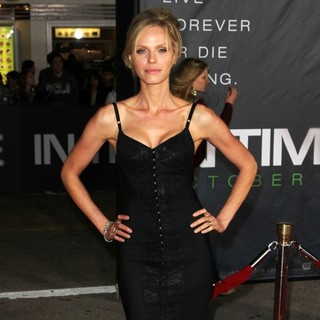 Rachel Roberts in The Premiere of In Time - Arrivals