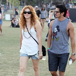 Rachelle Lefevre in Celebrities at The 2012 Coachella Valley Music and Arts Festival - Week 2 Day 3 - rachelle-lefevre-2012-coachella-week-2-day-3-02