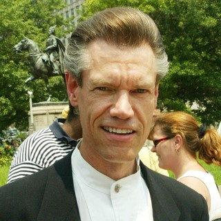 Randy Travis in An America Stands Behind Israel Rally