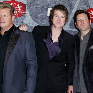 Rascal Flatts in 2012 American Country Awards - Arrivals - rascal-flatts-2012-american-country-awards-01