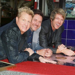 Rascal Flatts Honored with Star on The Hollywood Walk of Fame - rascal-flatts-walk-of-fame-03