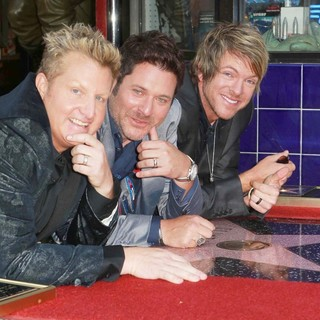 Rascal Flatts Honored with Star on The Hollywood Walk of Fame - rascal-flatts-walk-of-fame-04